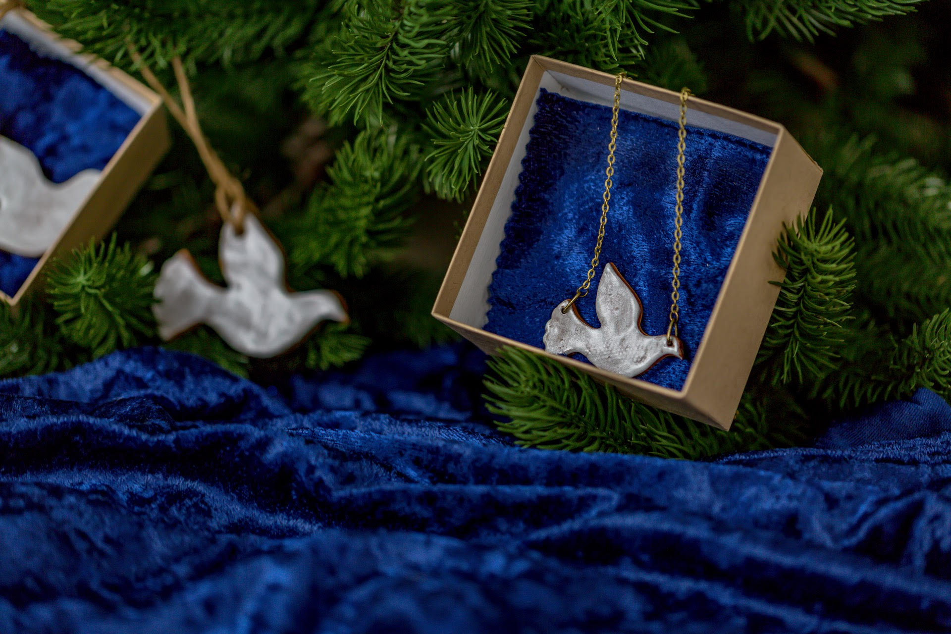 HRoMChristmasCollectionnecklace